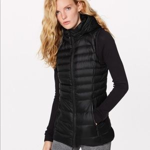 Lululemon 10 Down for It Vest With hood & Zip-out